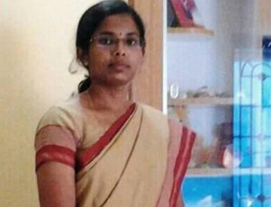 IAS C. Vanmathi : गांव की ये लड़की भैंस चराने के बाद करती थी पढ़ाई, UPSC परीक्षा में 152वीं रैंक पाकर बनीं IAS अधिकारी 1