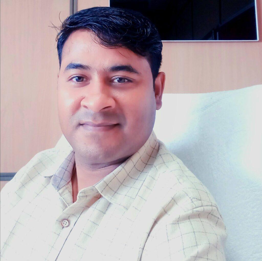 Lal bahadur pushkar irs : 10वीं में थर्ड डिवीजन पाने वाले पुष्कर बनें आयकर विभाग में डिप्टी कमिश्नर, जानें कैसे हासिल की सफलता 1